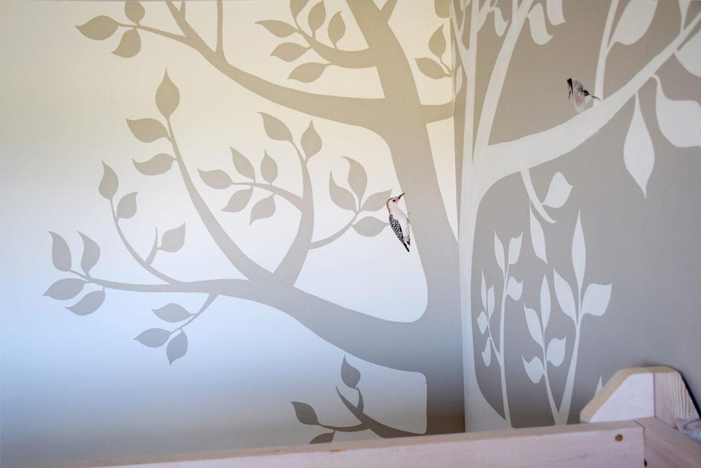 ontwerp muurkunst geschilderde boom kinderkamer